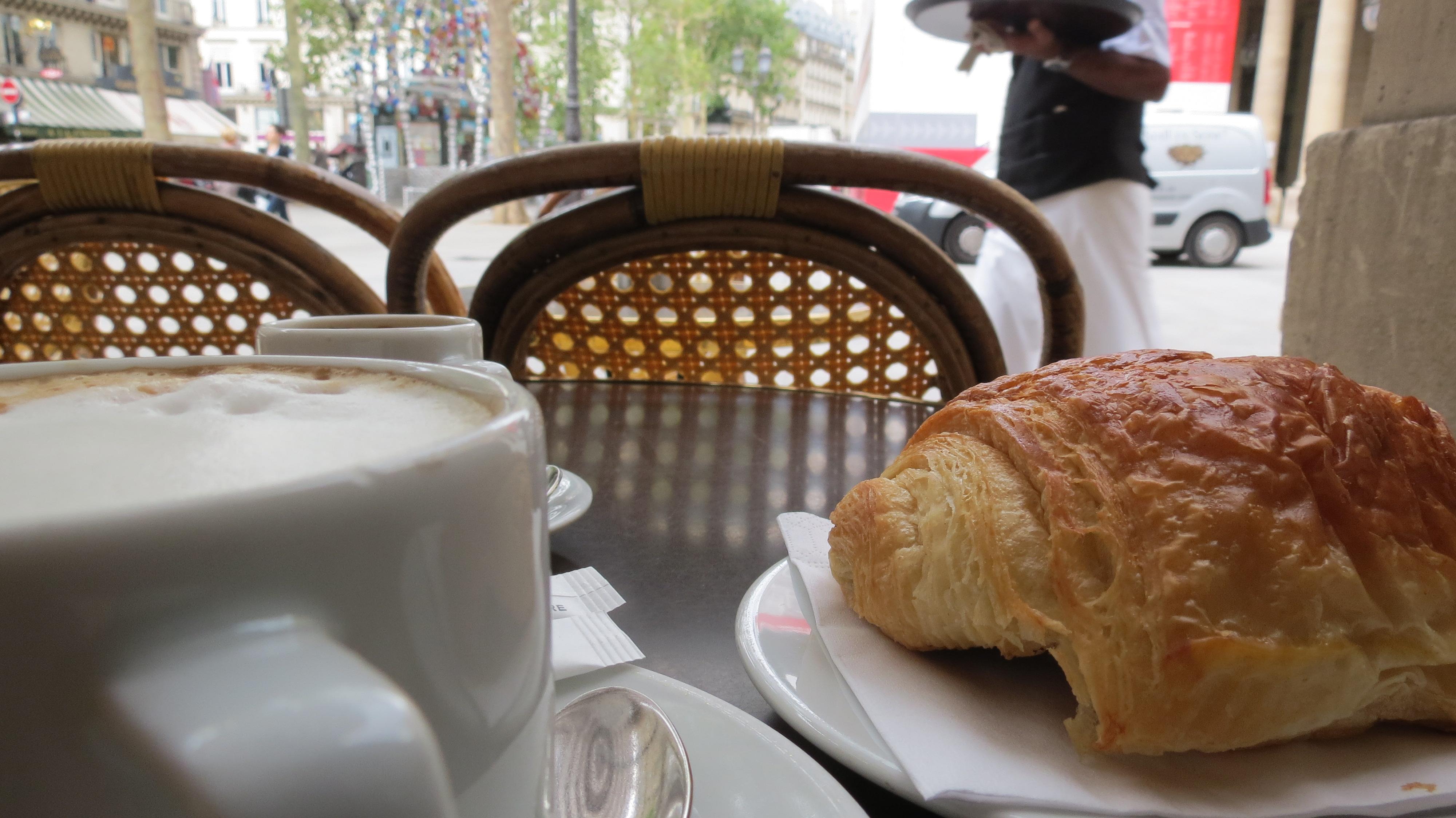 Cafe Nemours Paris Hours